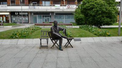Escultura Luis Mariano en Irun